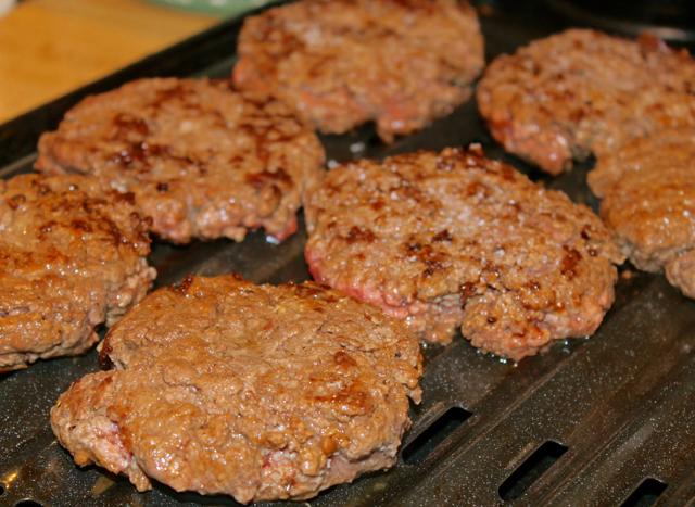 ground beef patties baking