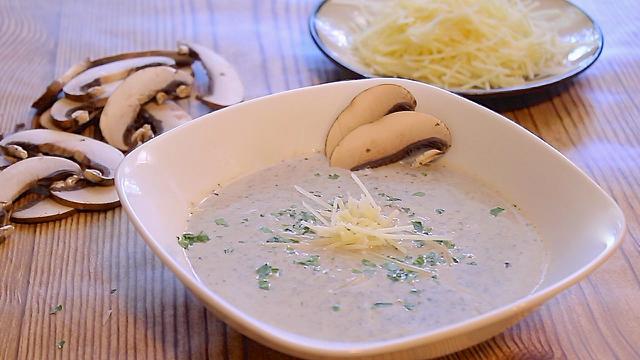 mushroom-marsala-soup