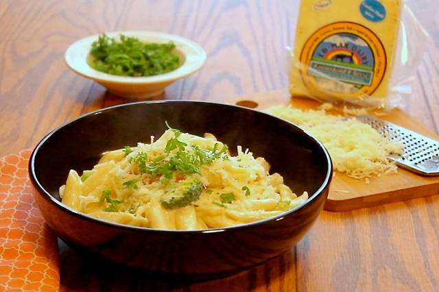 Pressure Cooker Garden Fresh Penne Alfredo is a delightfully creamy pasta dish made with fresh cheese from the farm. Make it fresh and make it best!